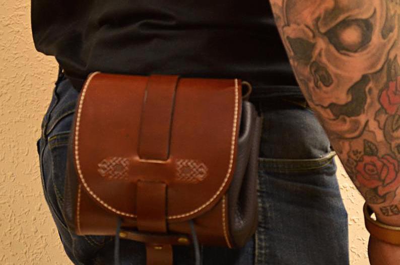 bolso de cadera de cuero hecho a mano