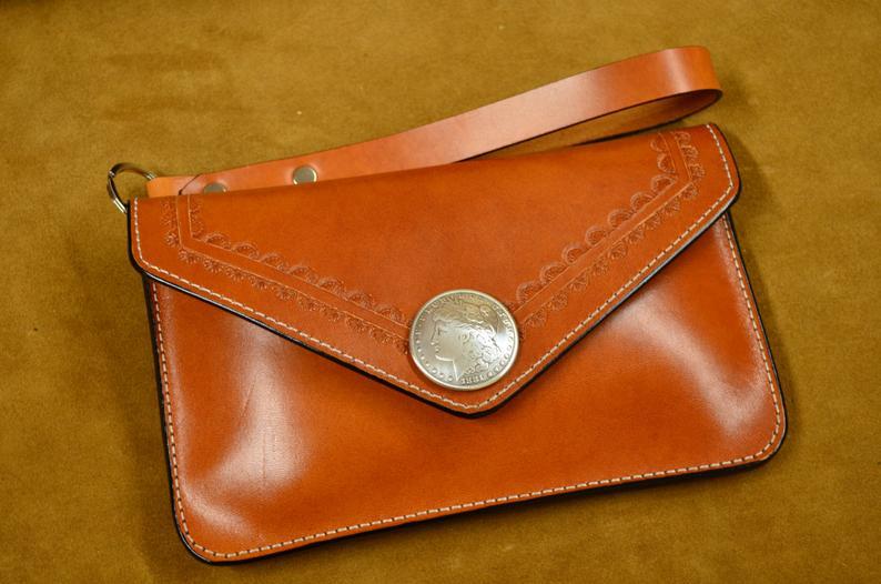 bolso de mano de cuero artesanal marrón