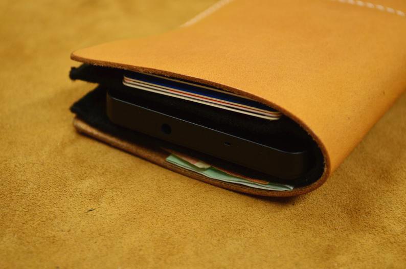 funda de cuero para smartphone detalle