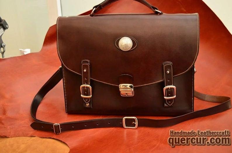 maletin de cuero artesanal marrón