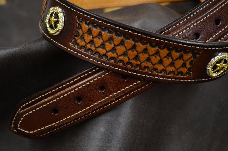 cinturón Ranger de cuero decorado detalle
