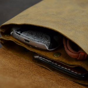 bolso de cadera cuadrado hecho a mano en cuero interior