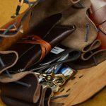 bolso de cadera de cuero marron