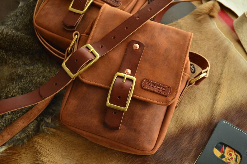 bolso de cuero hombre marrón