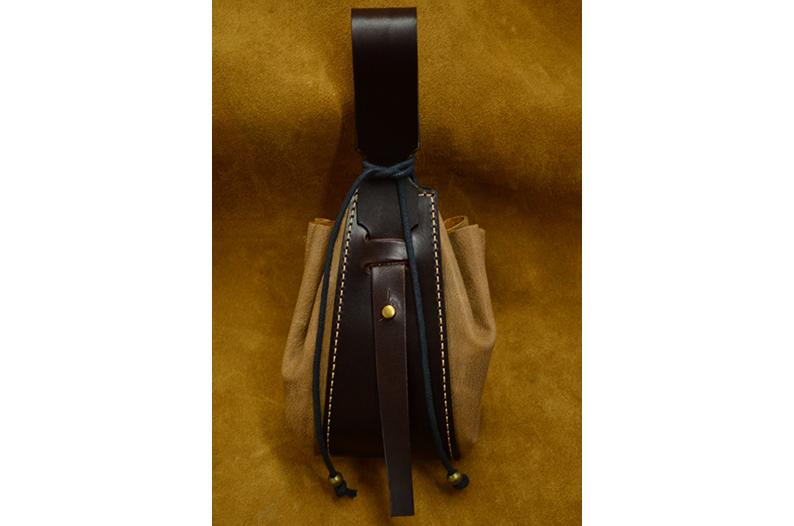 bolso judas de cuero artesanal