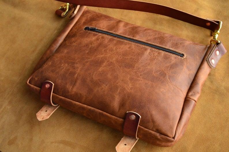 Bolso mensajero de piel natural hecho a mano