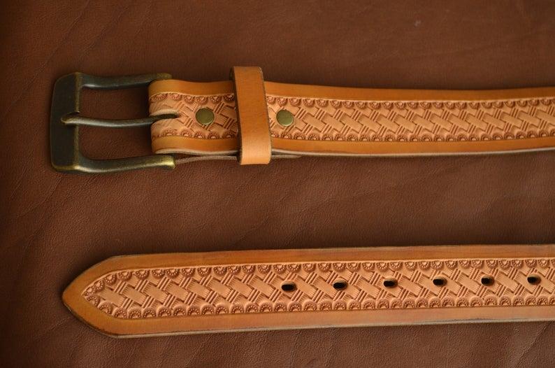 cinturón cuero decorado patrón de cesta hebilla
