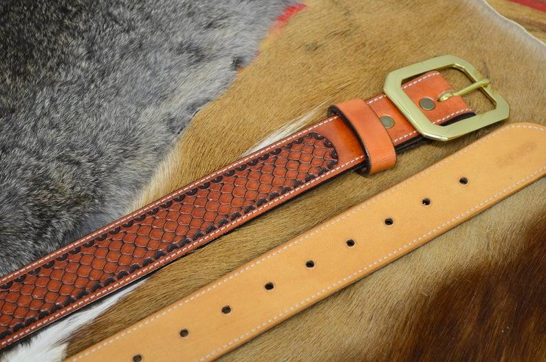 cinturón piel decorado hebilla latón macizo