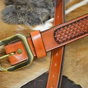 cinturón cuero decorado hebilla latón macizo