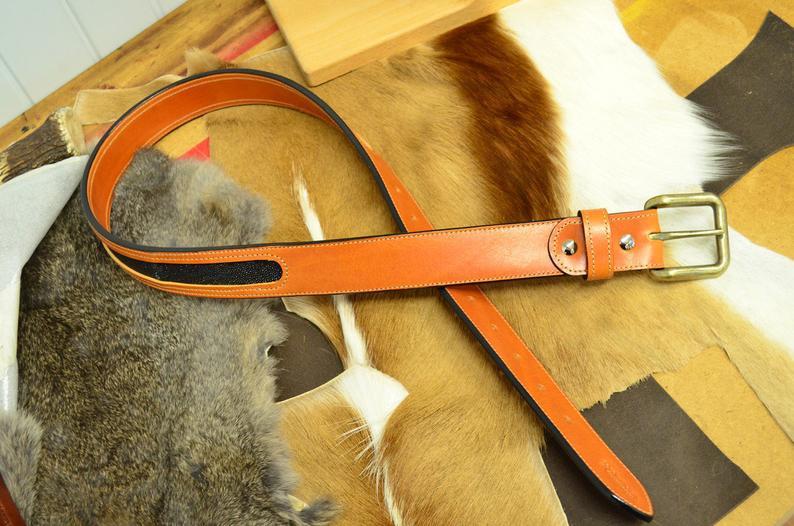 cinturón cuero con piel de raya