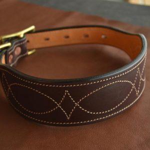collar de perro de cuero artesanal