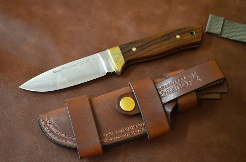 funda cuchillo bushcraft de cuero multiposición artesanal