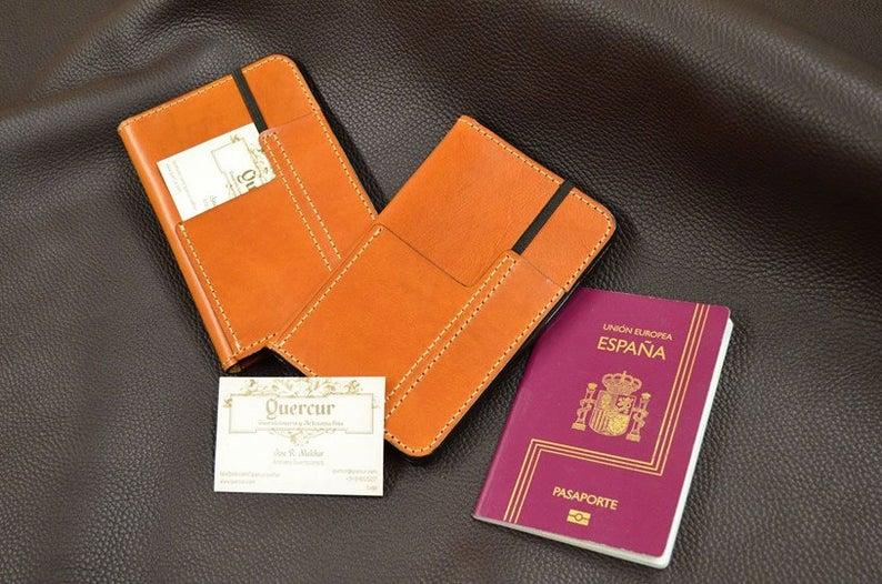 funda de cuero para pasaporte fieldnotes