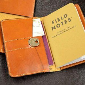 funda de vaquetilla pasaporte fieldnotes