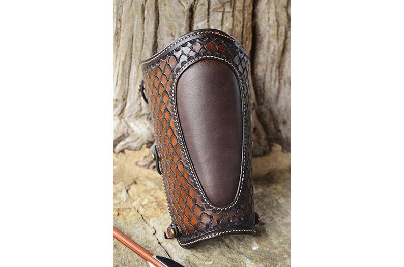 protector de brazo tiro con arco hecho en cuero